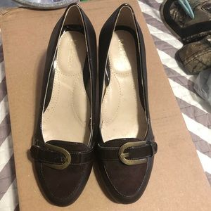 New Madeline Brown Buckle Size 8 heels